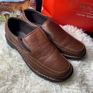Thom McAn leather camel loafers shoe